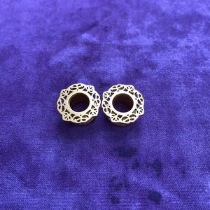 00g Gold Plated Filigree Screw back tunnel.
